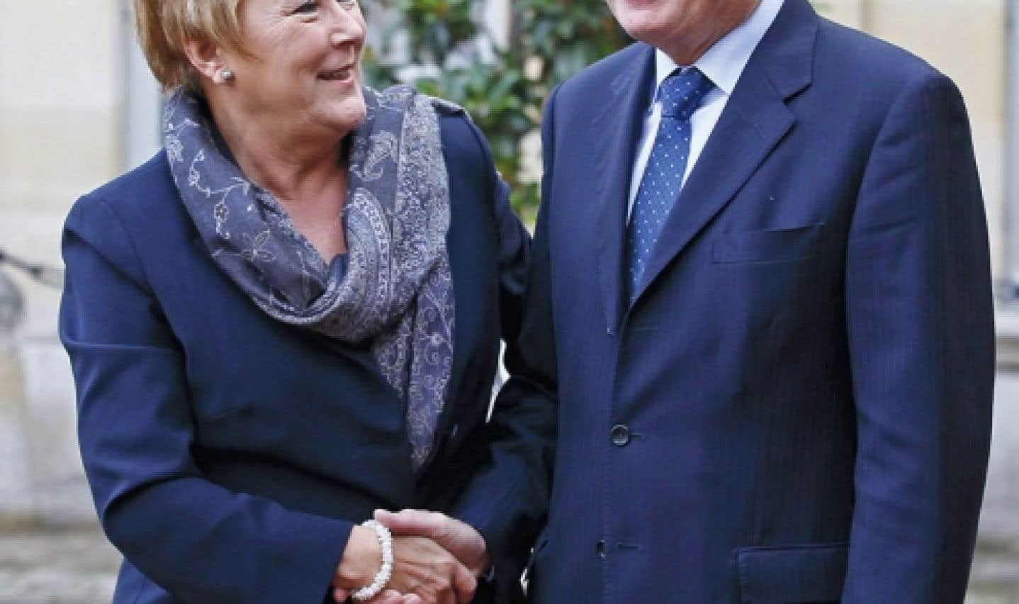 Pauline Marois critique la politique étrangère canadienne