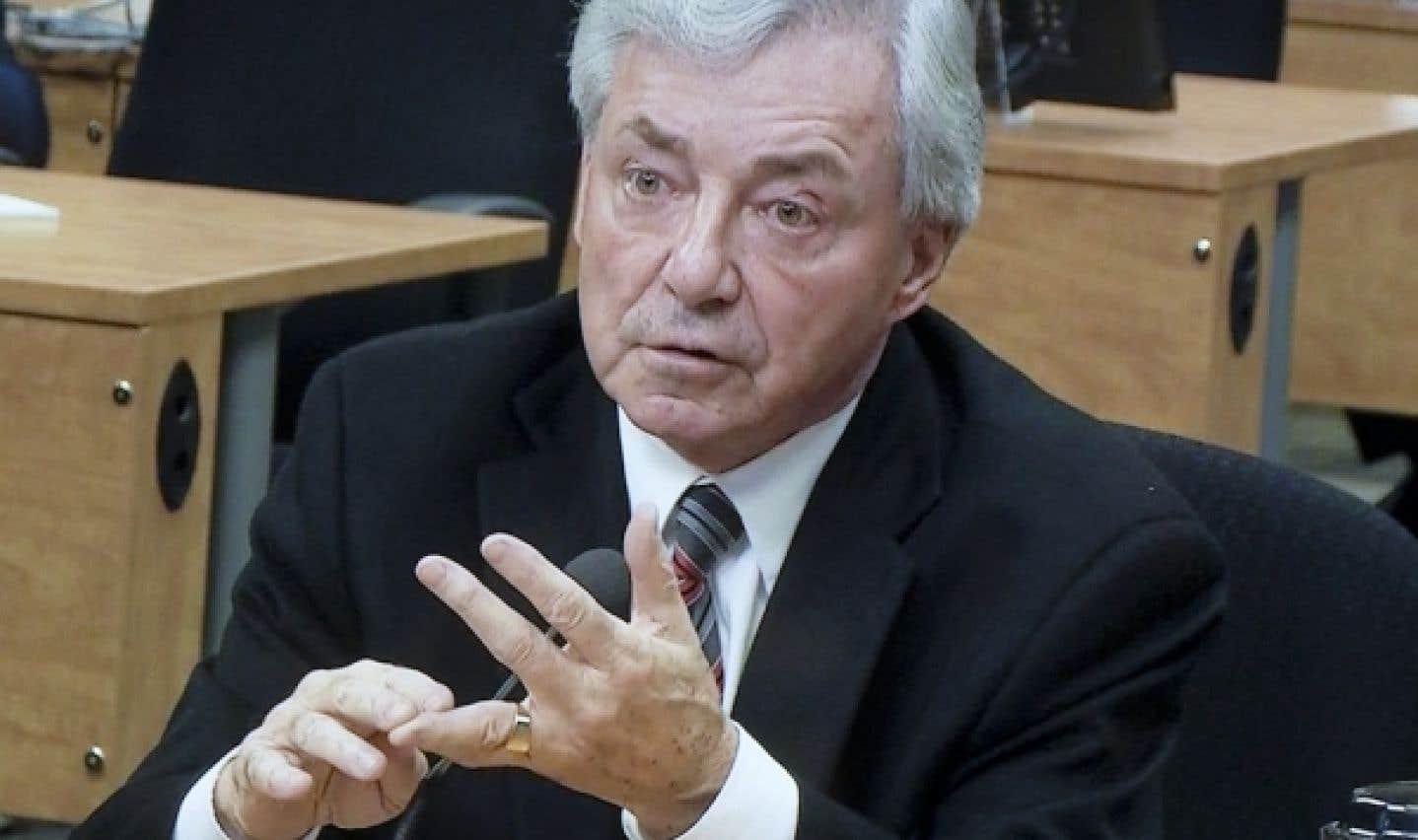 Gilles Vézina, cadre intermédiaire au service des travaux publics de la Ville de Montréal, a admis devant la Commission Charbonneau avoir reçu divers cadeaux.