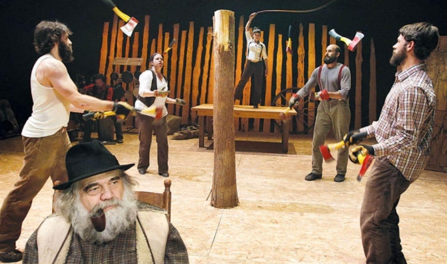 Gros party de famille sur scène avec le Cirque Alfonse et leur Timber !, un cirque 100 % terroir québécois dont l'action se déroule au cœur d'un camp de bûcherons.