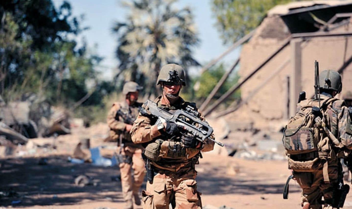 Les soldats français et maliens sont acclamés en héros à Diabali