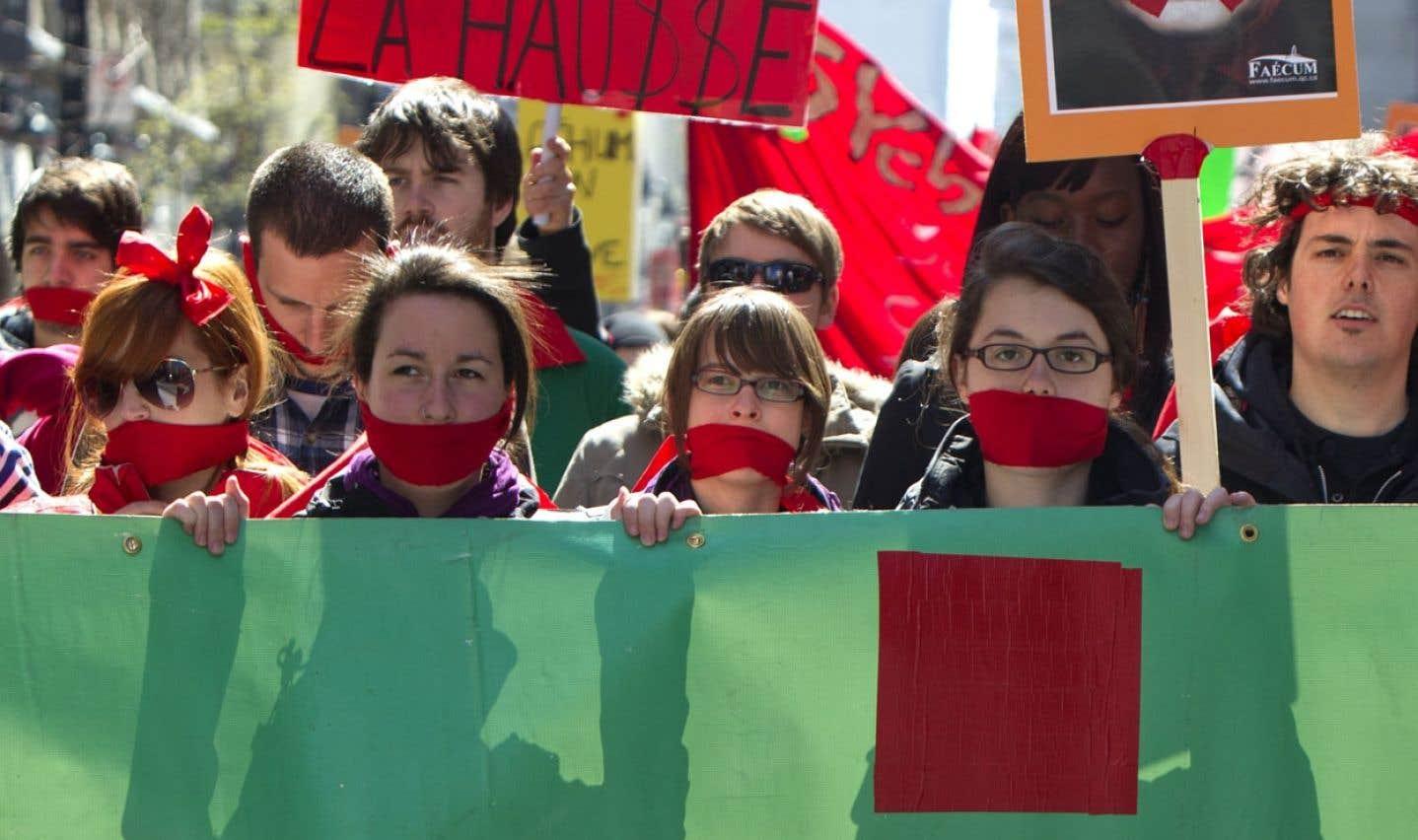 Manifestation d'étudiants de cégeps et d'universités contre la hausse des droits de scolarité en avril 2012.