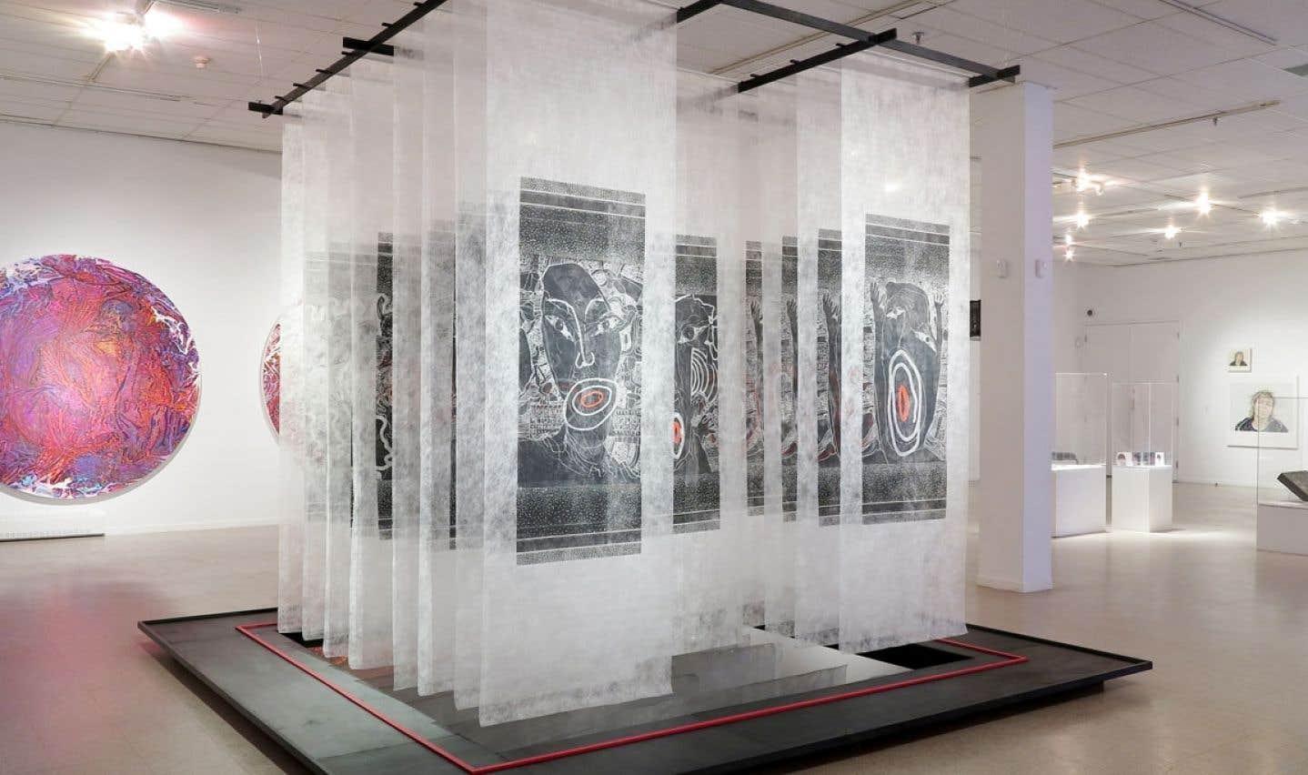 Échographie de la mémoire génétique, 1986, de René Derouin, est exposée dans le « Vieux-Palais ».