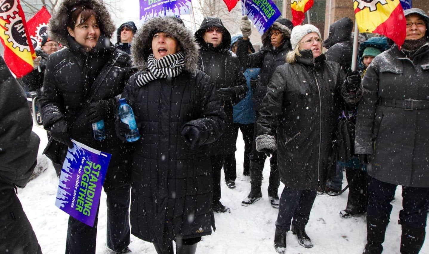 Manifestation de l'Alliance de la fonction publique au Québec pour la sauvegarde des programmes et des services publics fédéraux, en mars 2012