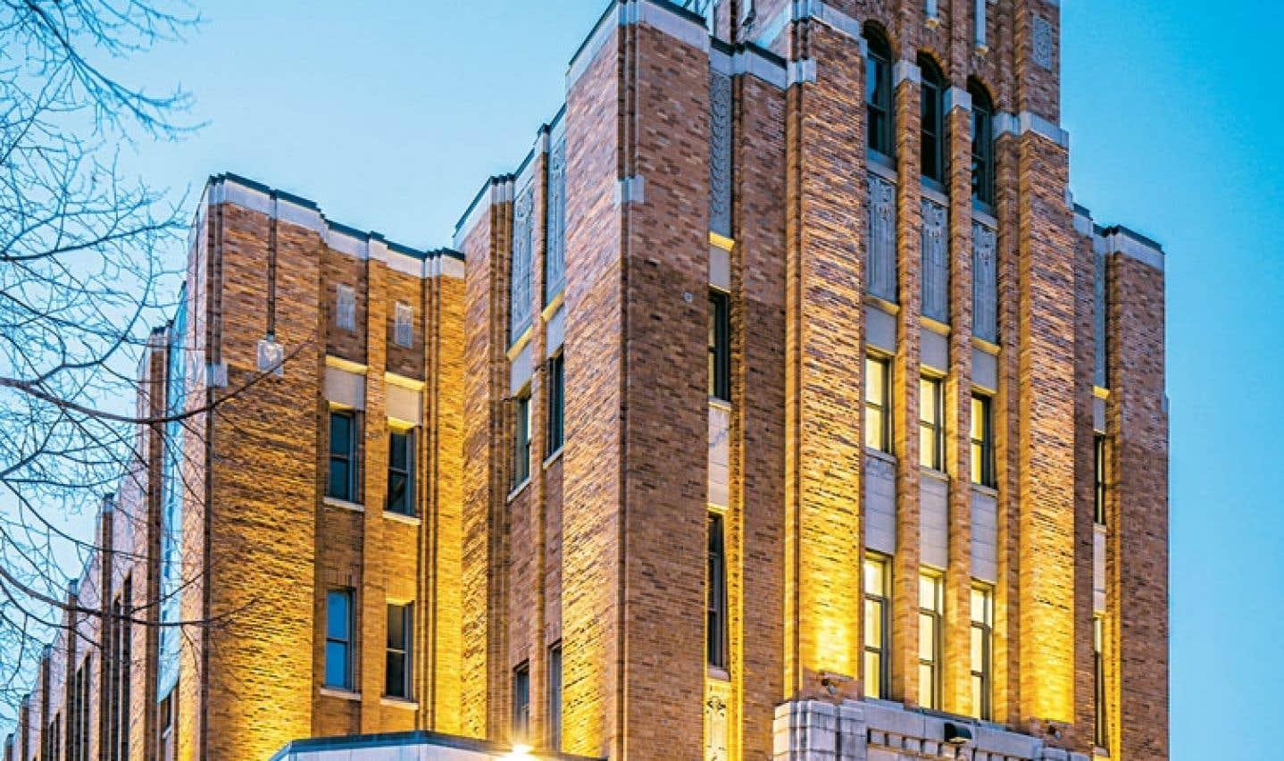 Le complexe immobilier prévoit l'aménagement de 32 unités d'habitation dans l'immeuble du marché Saint-Jacques, d'ici l'été 2014.