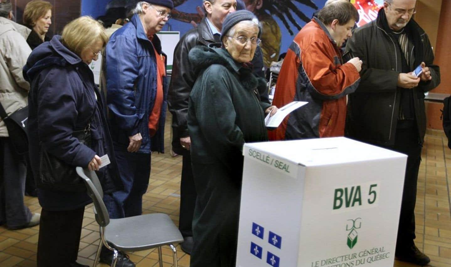 Sondage – Les Québécois veulent être plus consultés entre deux scrutins