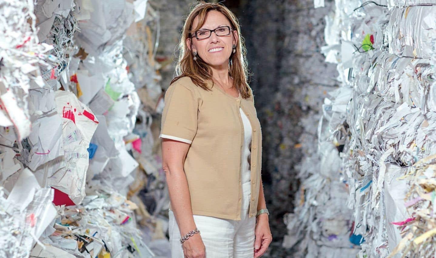 Entrée chez Cascades en 1978, Suzanne Blanchet dirige aujourd'hui Cascades Groupe Tissu, qui génère environ un milliard de dollars par année.