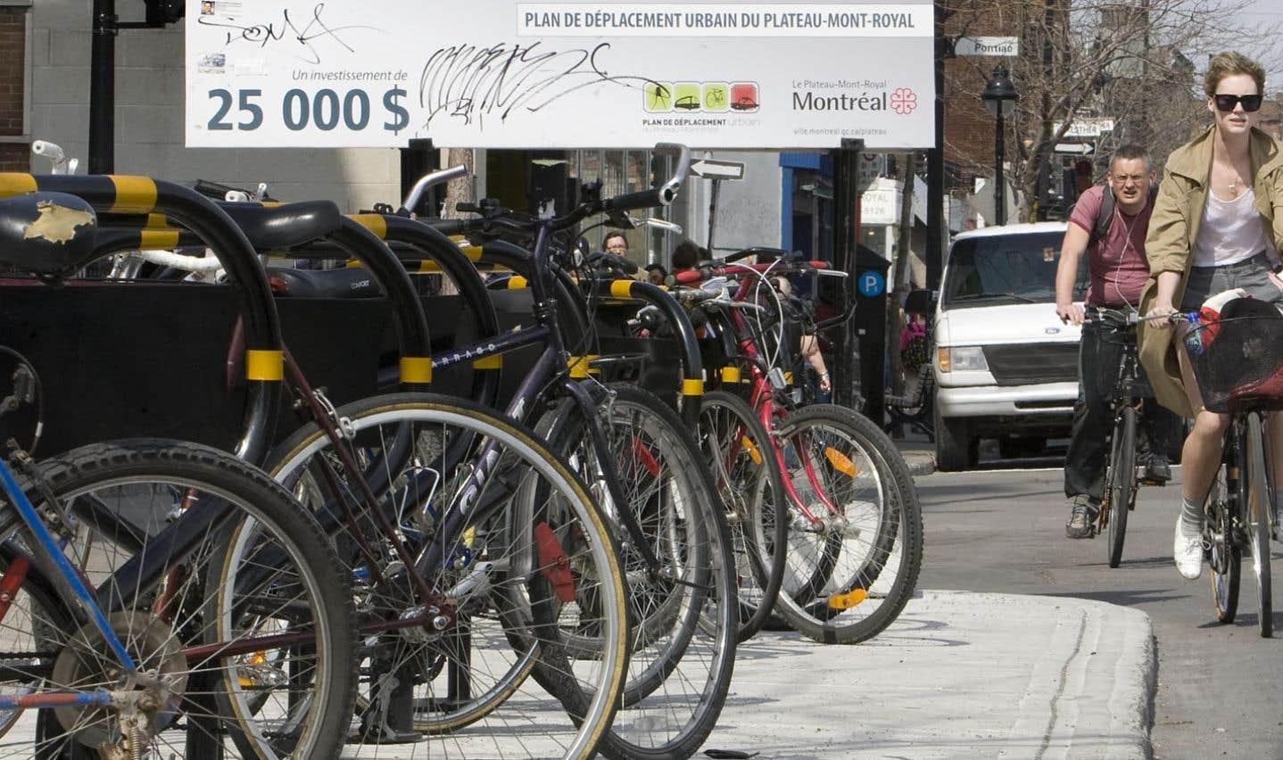 Dans leur diagnostic, les CGD tiennent compte des espaces pour les vélos, des douches et des casiers pour les cyclistes.