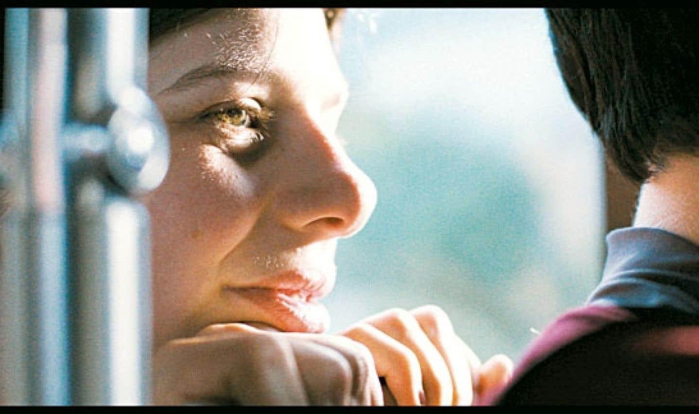 Le syndrome de Williams dont est atteinte Gabrielle Marion-Rivard en faisait un choix risqué, mais la lumière qui émane de l'attachante jeune femme éclaire le drame.