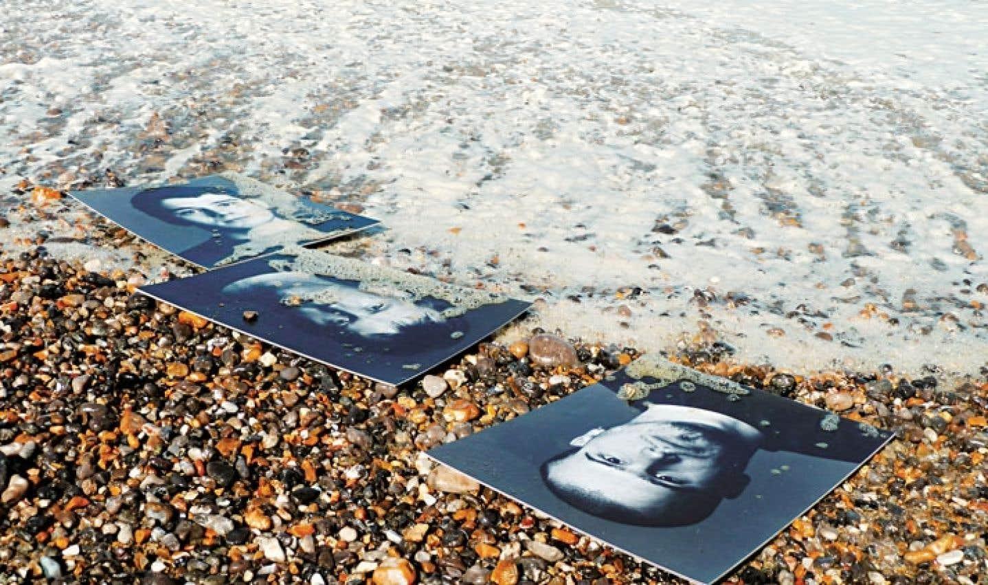 Les dix photojournalistes et artistes rencontrés par la documentariste nourrissent de leurs clichés la mer d'images qui baigne notre ère.