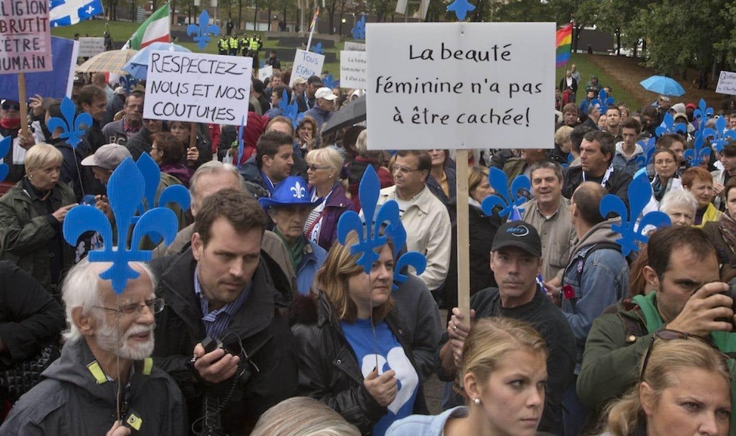 Un millier de personnes marchent pour appuyer la Charte des valeurs québécoises