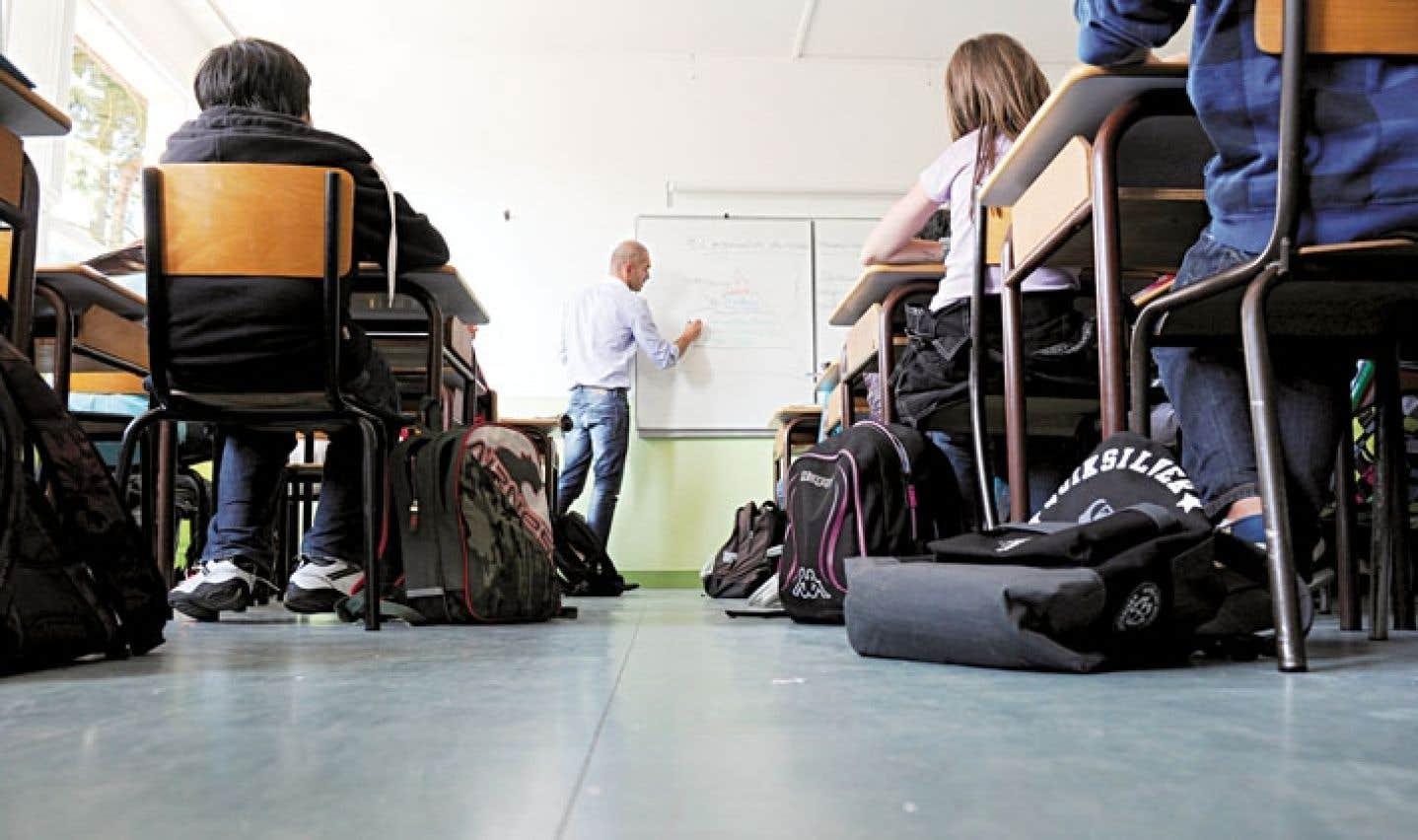 Des experts s'entendent pour dire que, en France comme au Québec, «il faut conjuguer bienveillance et exigence, ainsi qu'exigence et soutien élevé» auprès des élèves.