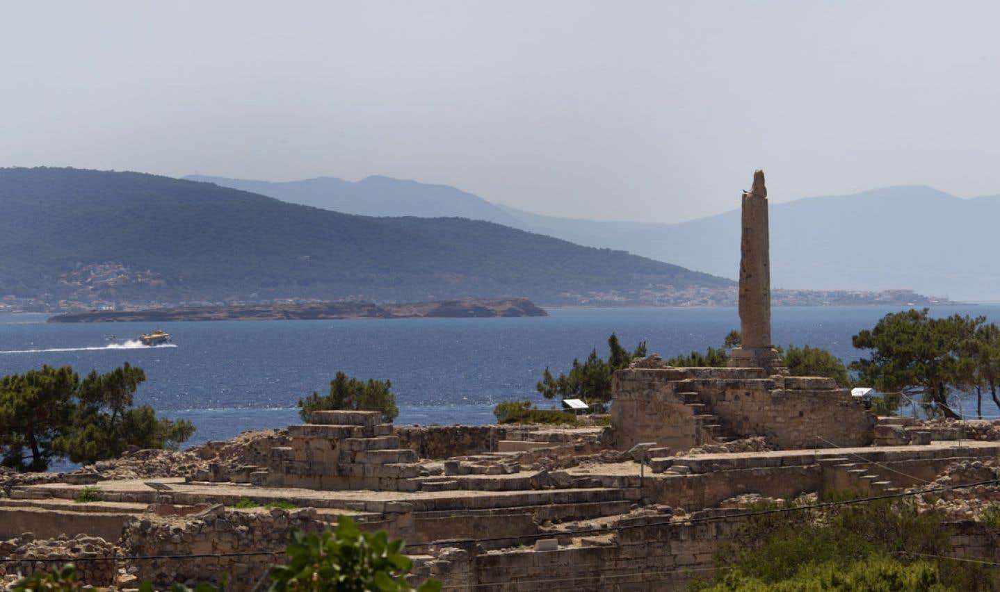 L'école d'été de l'UQAM offre la chance aux étudiants de voyager dans le pays où ils suivent des cours, comme ici en Grèce.