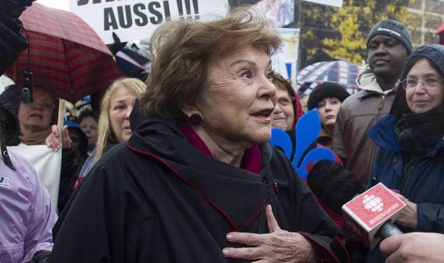 La manifestation du 26octobre 2013 avait rassemblé des milliers de personnes à Montréal, dont l'auteure dramatique Janette Bertrand.