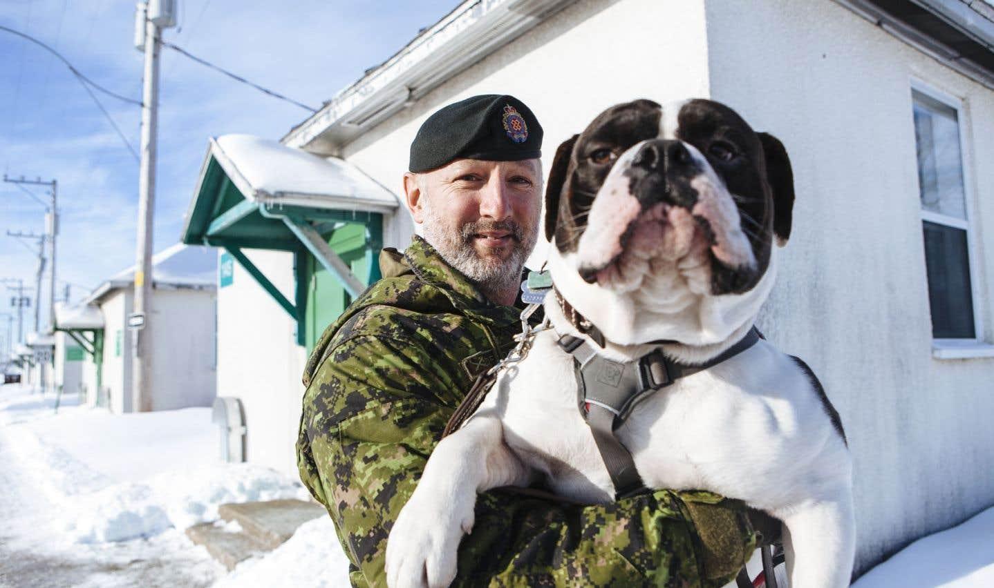 Le caporal-chef Mario Desfossés a senti que l'armée canadienne était d'une grande aide pour la population afghane. Des Afghans qu'il a côtoyés lui ont confirmé.