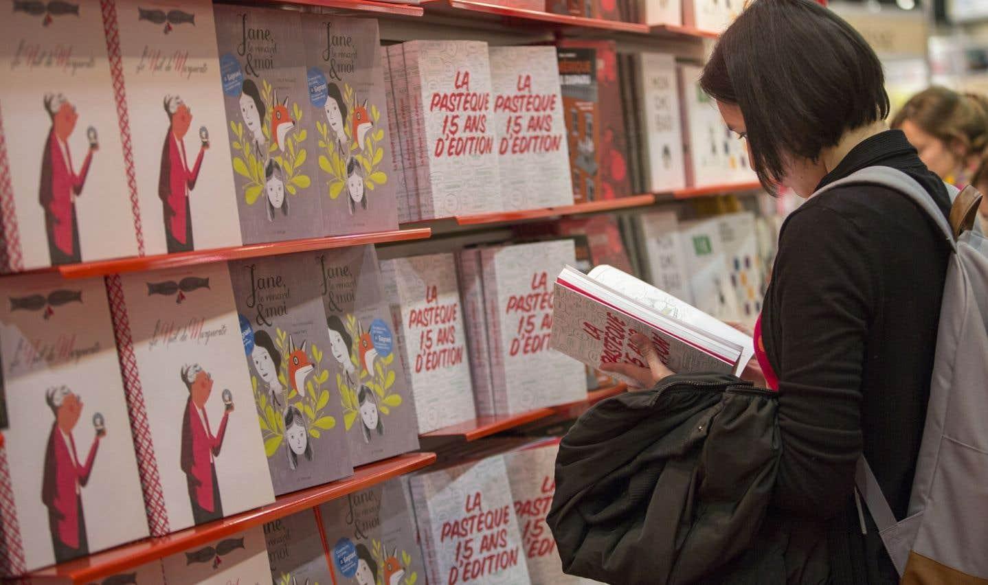Le mouvement « Sauvons les livres » regroupe des éditeurs, des libraires et des auteurs. Il est né dans la foulée de la commission parlementaire qui avait étudié, à l'automne dernier, la réglementation du prix de vente des livres neufs.