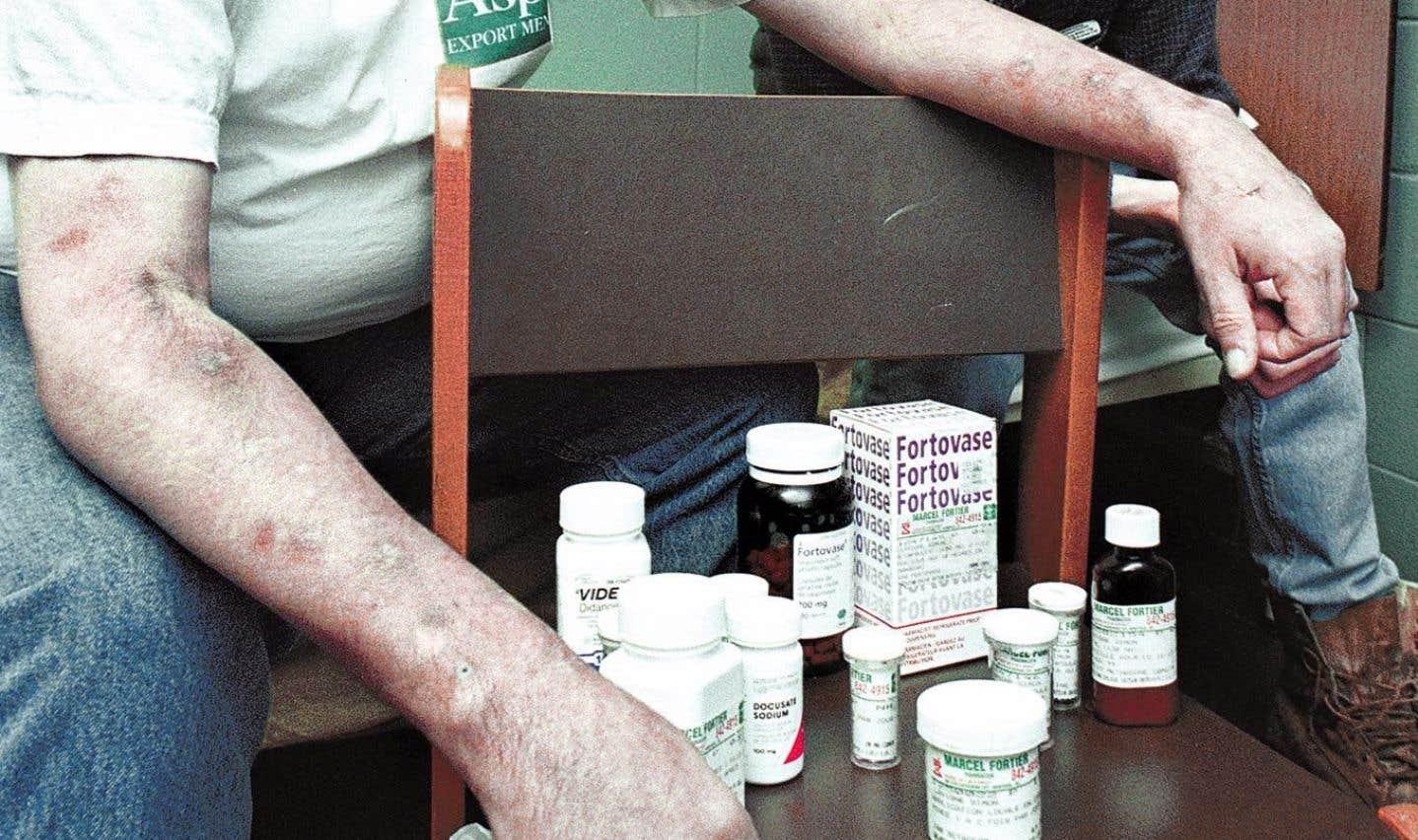 «La trithérapie est arrivée en 1996, et là, ça a ouvert un autre monde», estime Dr Thomas. La combinaison de ces trois médicaments permet en effet aux sidéens de vivre avec une maladie chronique.