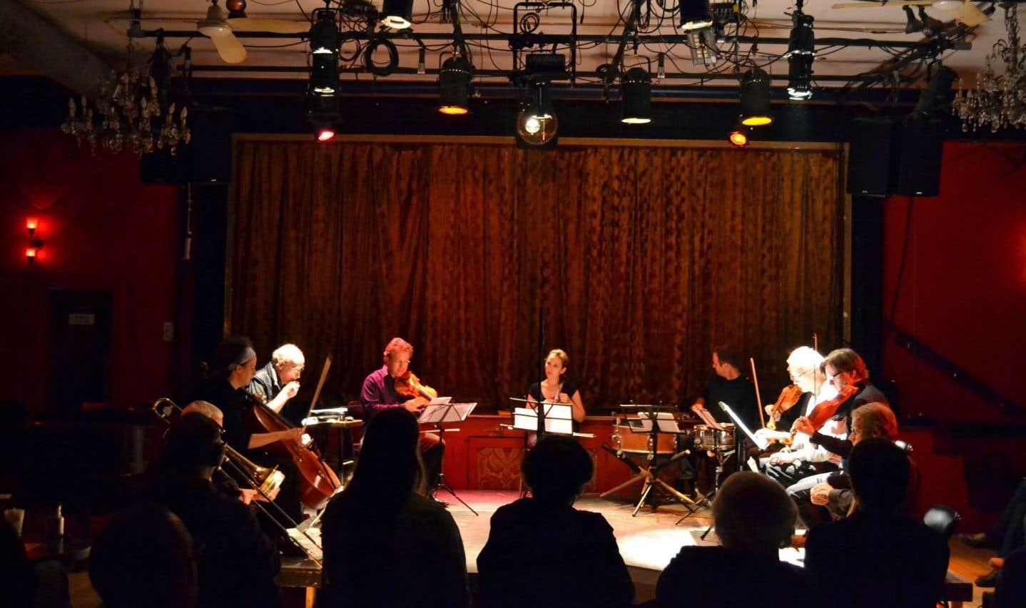 Le quatuor à cordes Bozzini (ci-dessus en compagnie du groupe Wandelweiser) interprétera divers extraits d'œuvres contemporaines.