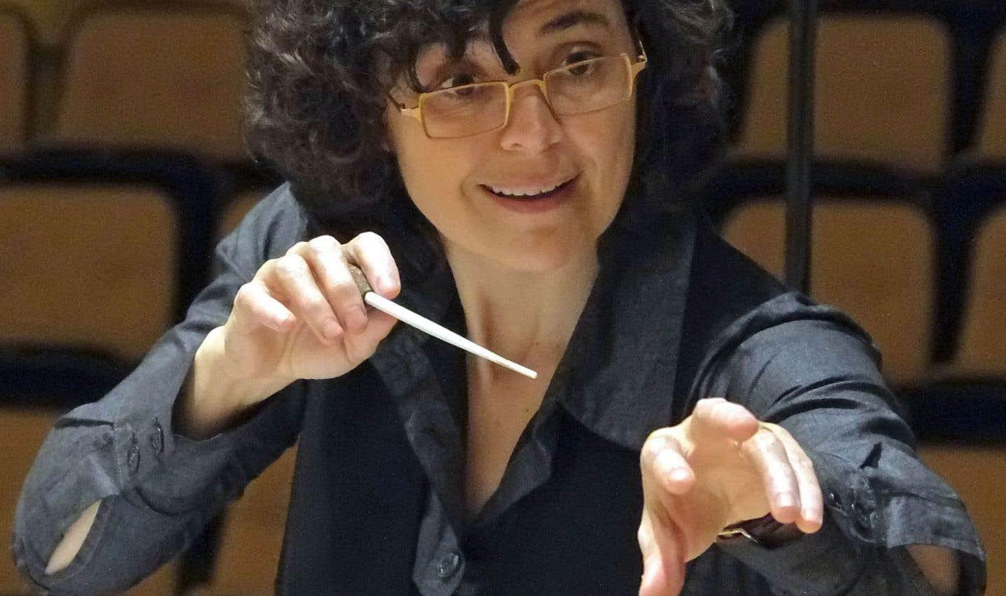 Pour Véronique Lacroix, le multidisciplinaire permet non seulement d'attirer le public, souvent même de doubler l'auditoire, mais également de le guider vers des zones sonores méconnues.