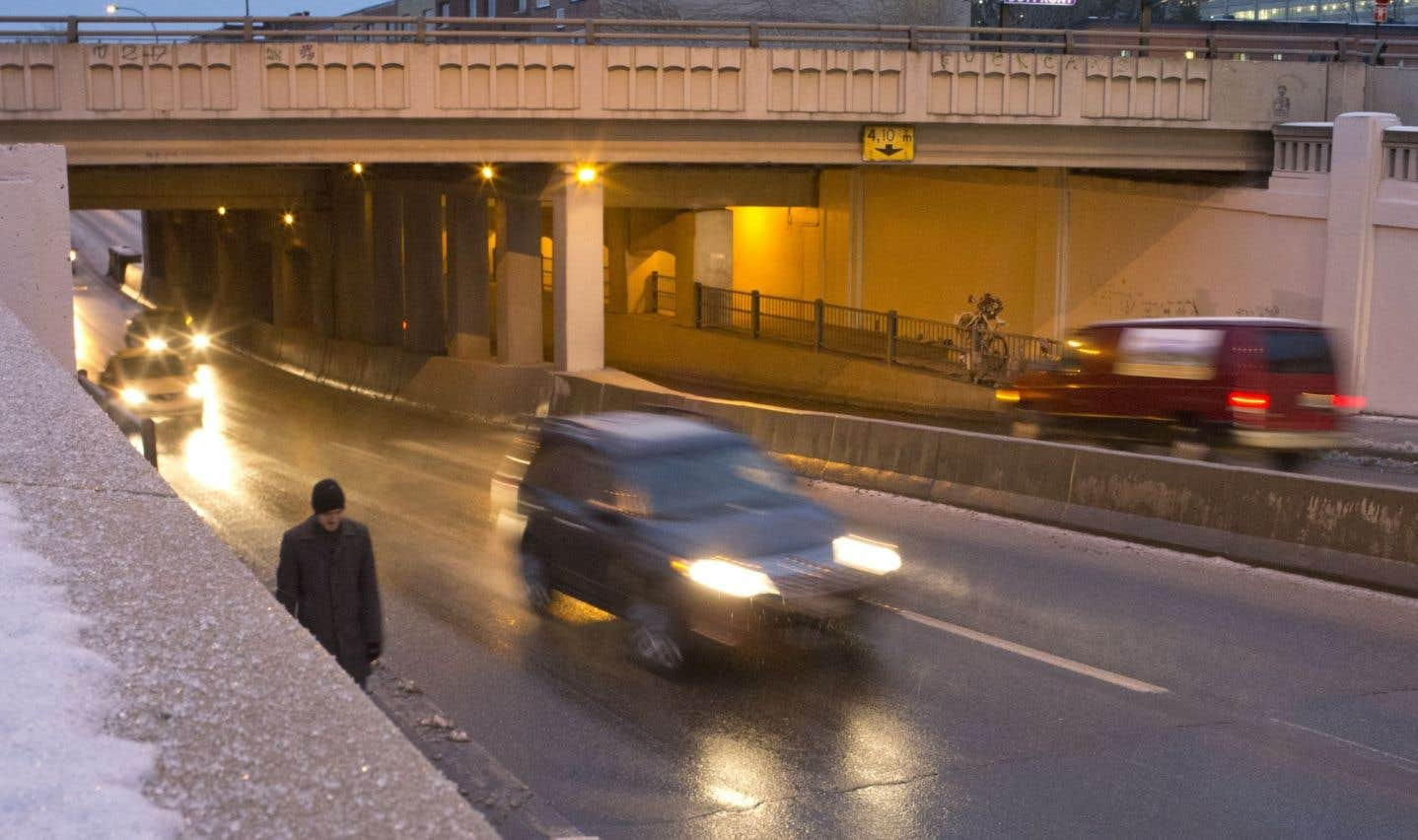 Piétons: les rails jugés plus sécuritaires que les viaducs