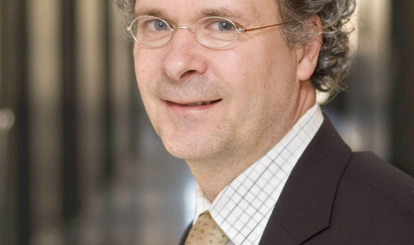 Pierre Noël, doyen de la Faculté et professeur agrégé spécialisé en théologie et droit des religions