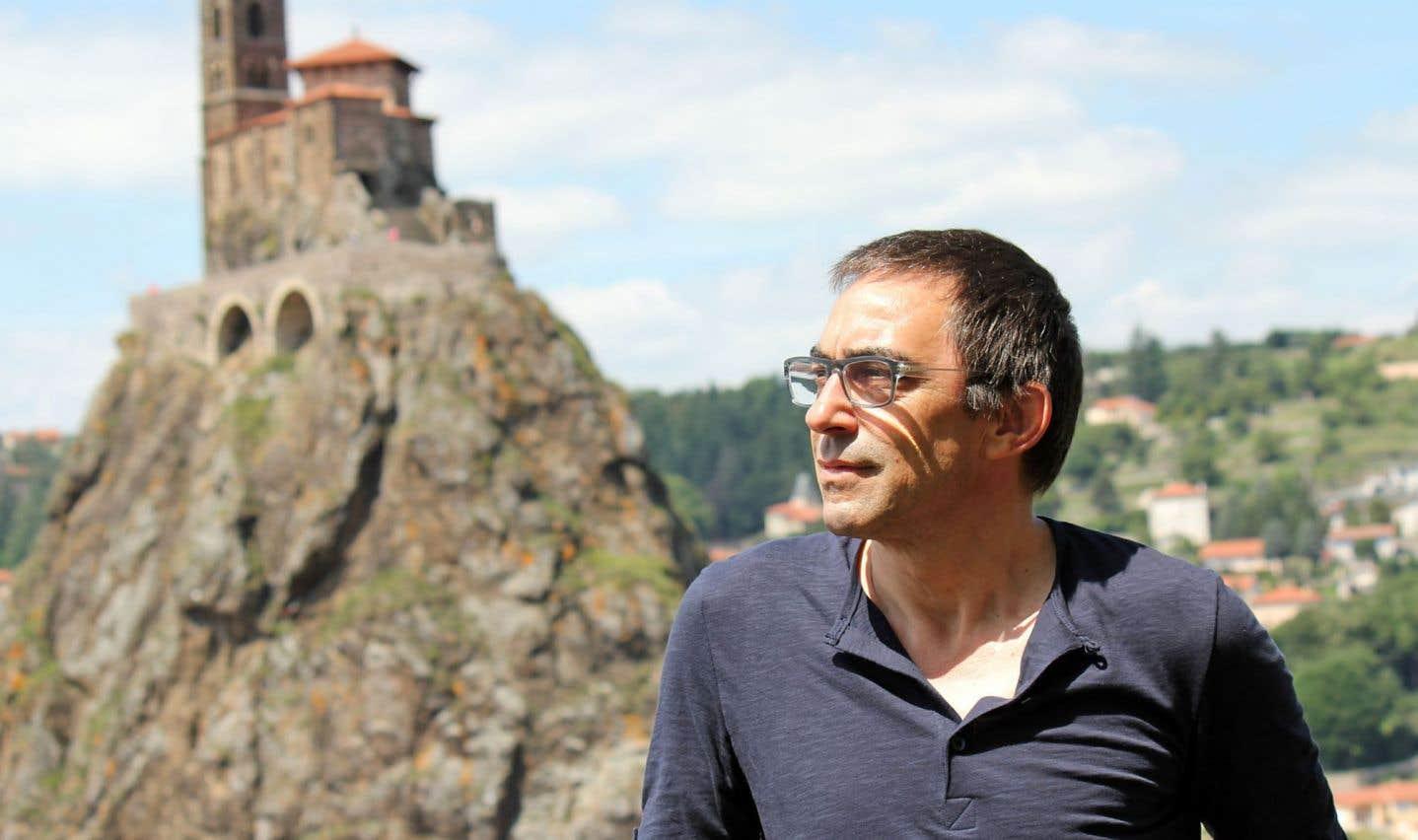 Jérôme Favrod est professeur et infirmier clinique en psychiatrie communautaire en Suisse.