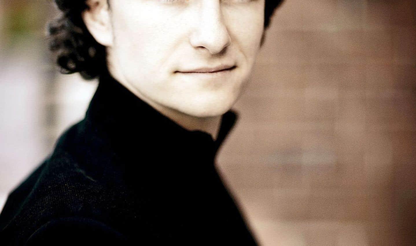 «Depuis peu, j'accompagne aussi des chanteurs. C'est le plaisir suprême», affirme le pianiste Martin Helmchen, qui a diverses activités, mais trouve difficile d'intégrer les récitals à son horaire.