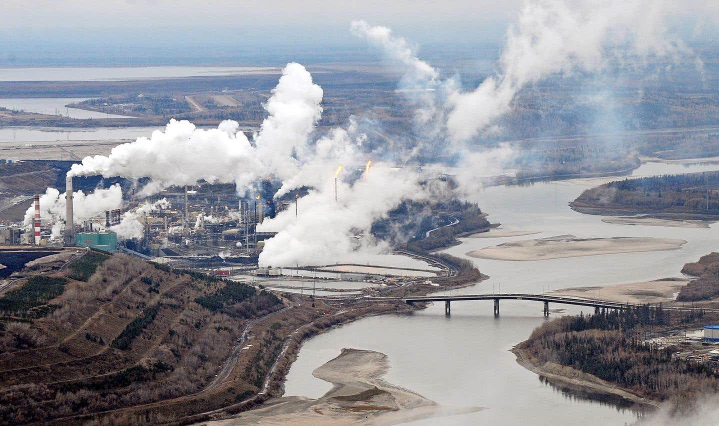 Au Canada, la production de pétrole et de gaz n'est soumise à aucun plafond d'émissions de GES.