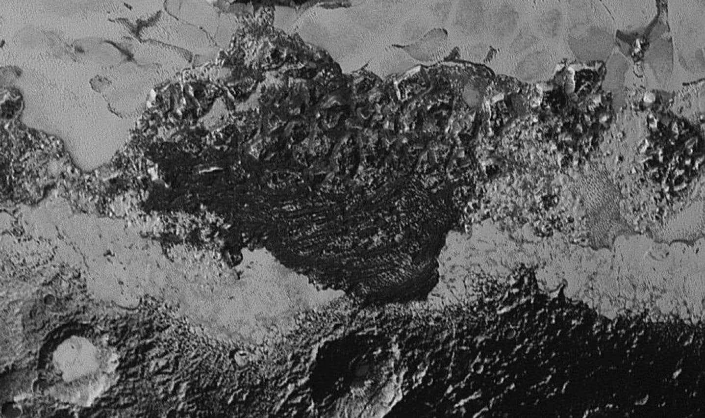 Les mystérieuses dunes de Pluton étonnent la NASA