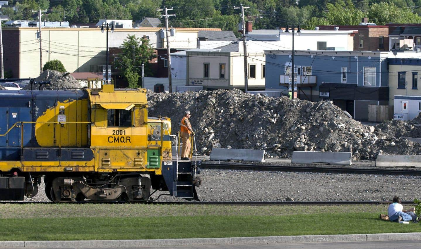 La construction d'une voie ferroviaire contournant Lac-Mégantic se fait toujours attendre.