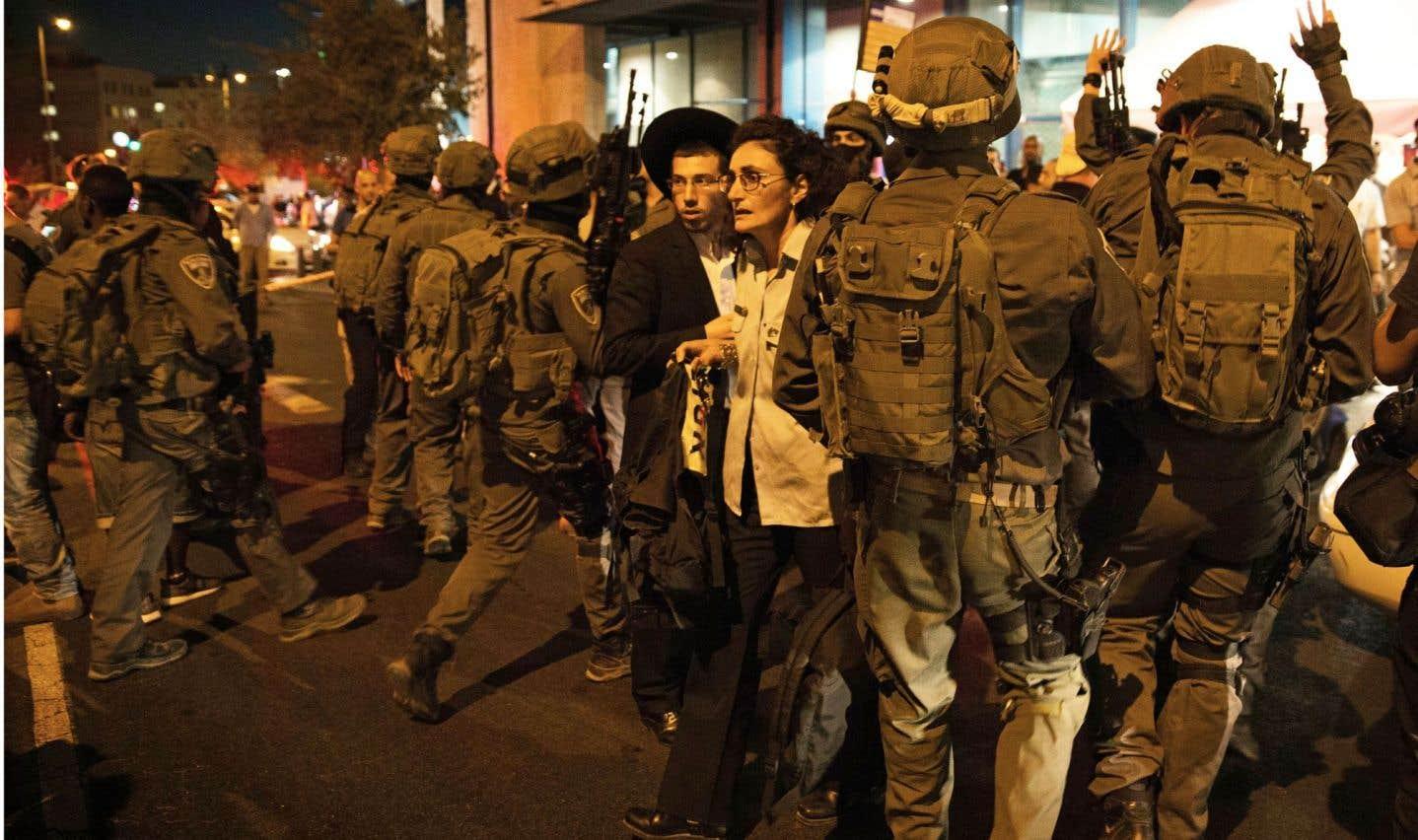 Israël met en place des postes  de contrôle autour de Jérusalem-Est