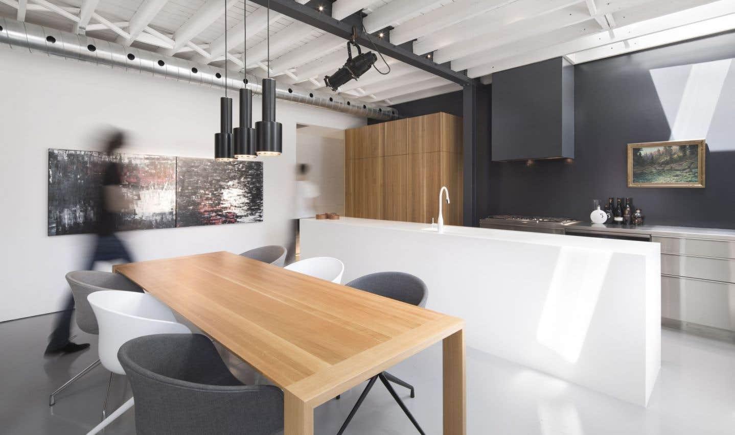 De plus en plus de gens font appel à des designers d'intérieur, que ce soit dans le commercial ou le résidentiel.