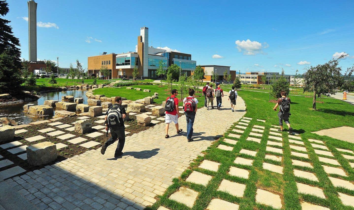 L'Université de Sherbrooke enverra une délégation de huit étudiants de deuxième cycle à la COP21, à Paris.