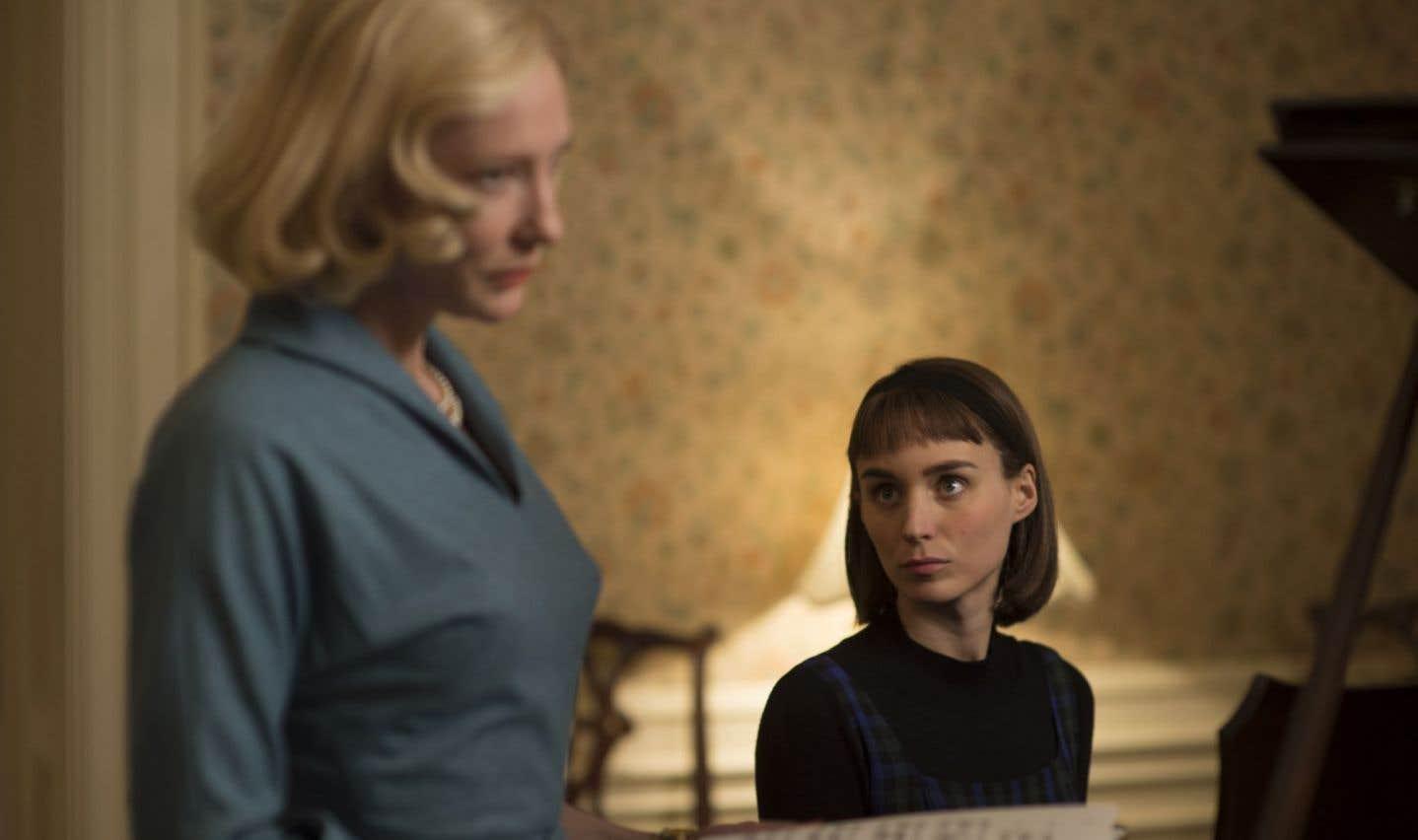 «Carol» vise à ramener sur le devant de la scène la manière délicate dont souvent communiquent les corps.