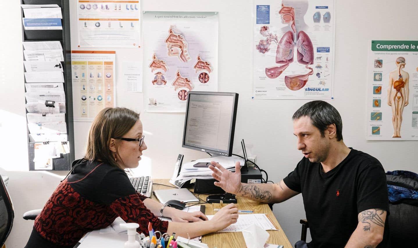 Barrette tire à boulets rouges sur les cliniques de superinfirmières