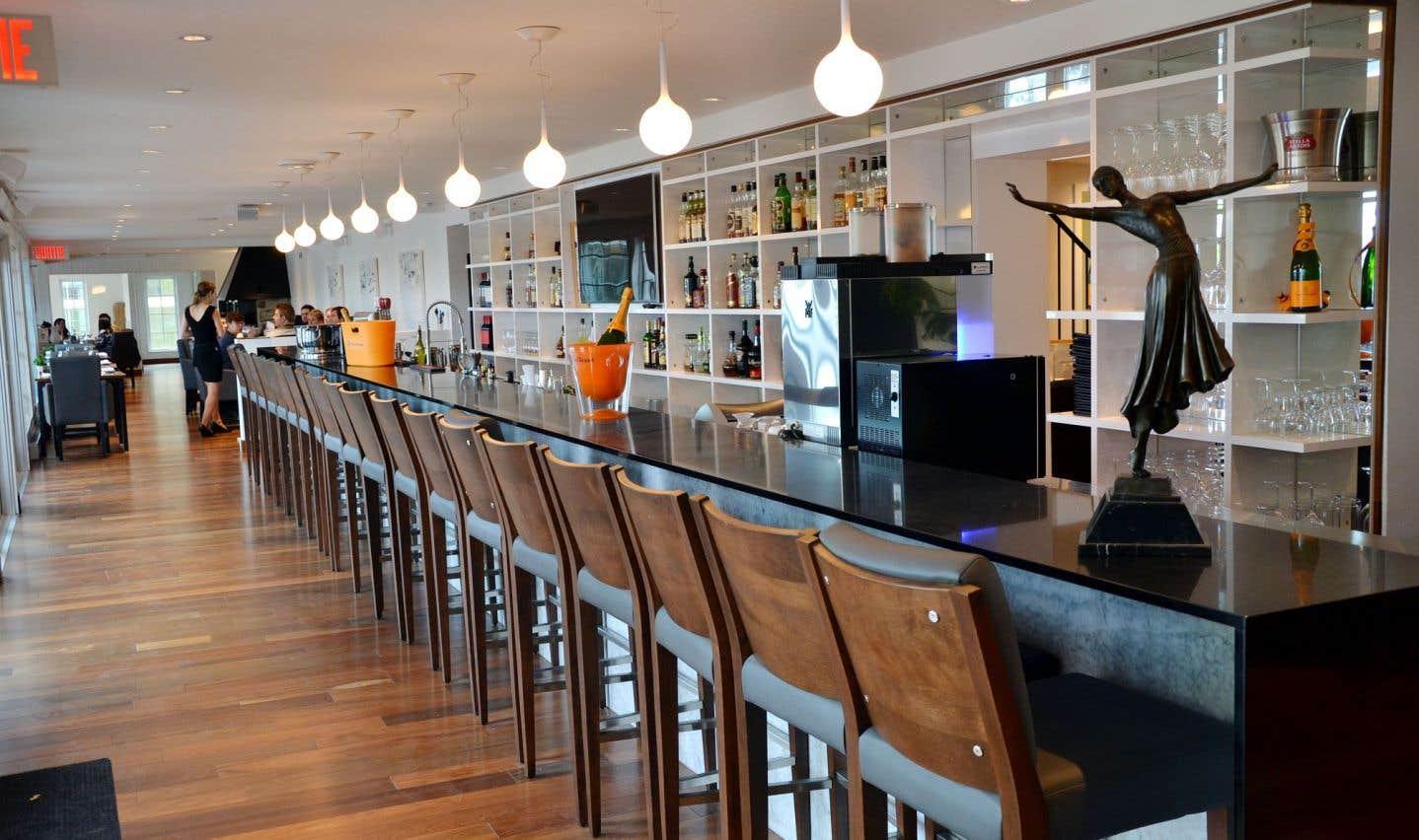 Le restaurant L'Artiste est situé sur les rives de la rivière Richelieu.