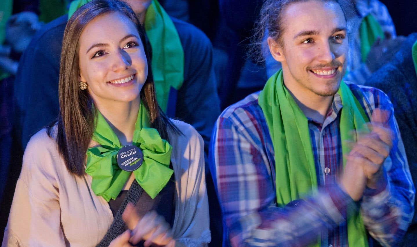Les jeunes Virginie Provost et Thierry Bilodeau, lors du lancement de la campagne d'Alexandre Cloutier à la chefferie du PQ, dimanche dernier à Montréal.