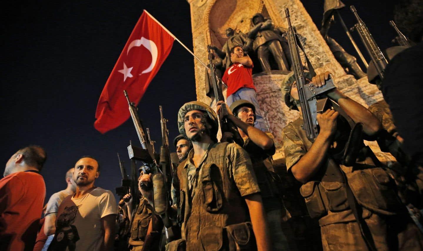 Des militaires tentent un coup d'État en Turquie