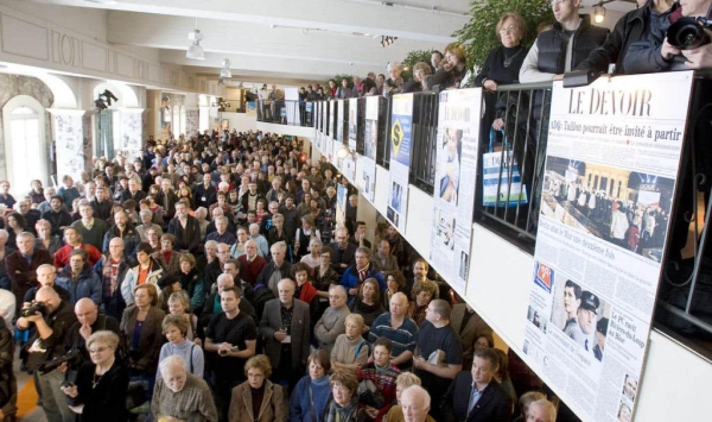 Le Québec fête les 100 ans du Devoir