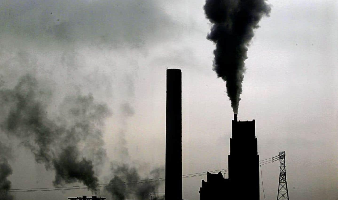 Le gouvernement Trudeau imposera une taxe carbone dès 2018