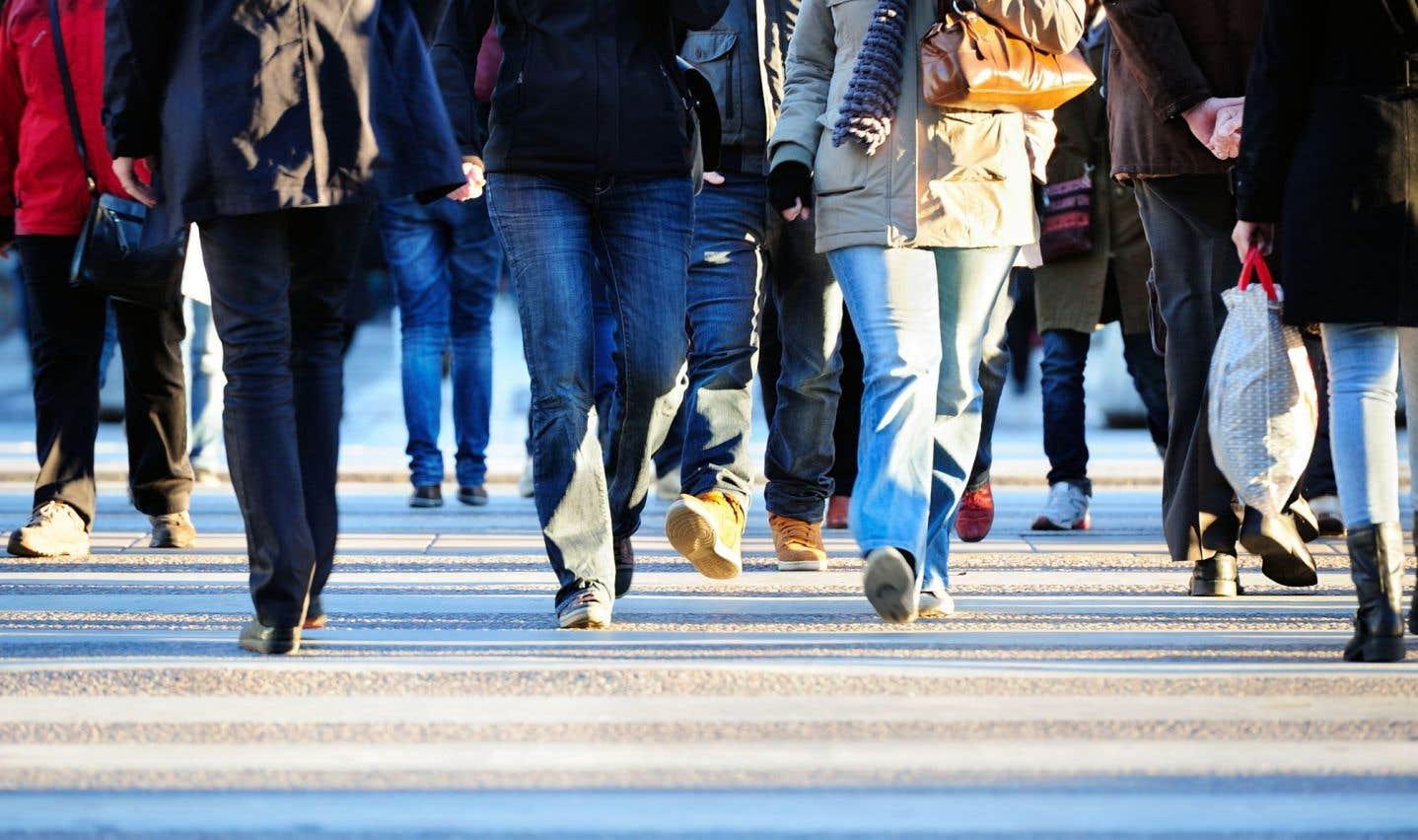 Plus de la moitié de la population mondiale vit maintenant dans les villes, d'où l'importance des politiques publiques en matière de logement qui contribuent à la résolution des problèmes de santé, d'éducation, d'emploi et d'environnement.