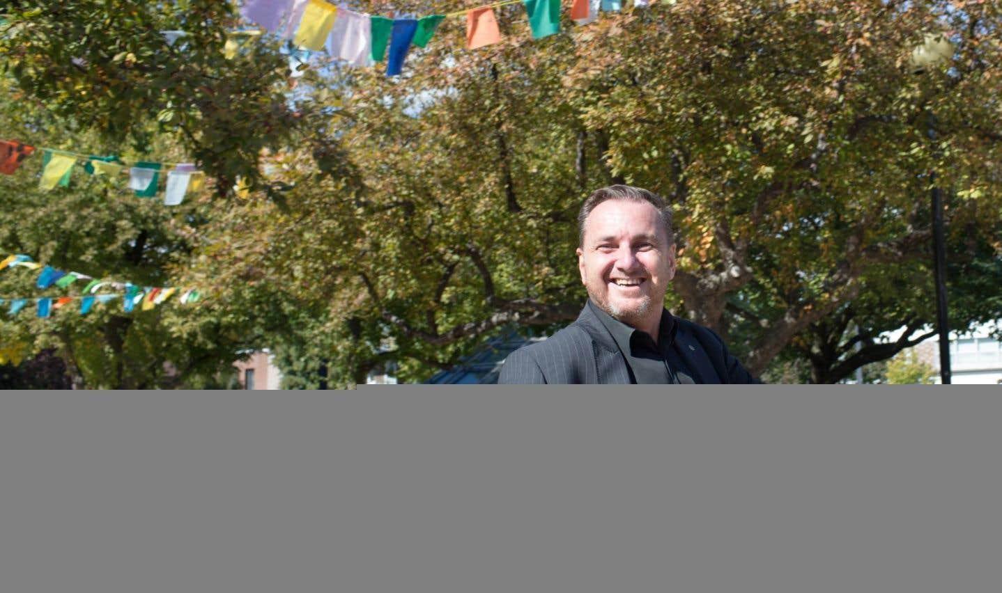 Le maire, Jean-François Parenteau, veut changer le regard des gens sur le coin où il a grandi.