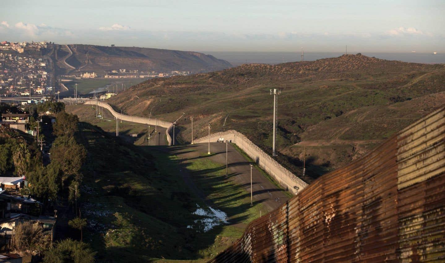 Trump lance son projet de mur à la frontière du Mexique