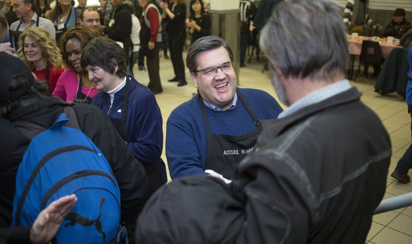 Le 1er janvier, Denis Coderre participait à la distribution de repas de fête chauds et gratuits pour les itinérants.
