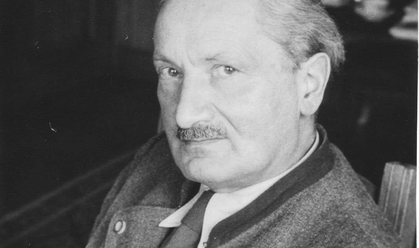 Plusieurs affirmations de Jean Grondin, qui minimisent l'adhésion de Heidegger à l'idéologie nazie, mériteraient d'être soumises à un examen critique, fait valoir Hélène Tissier.