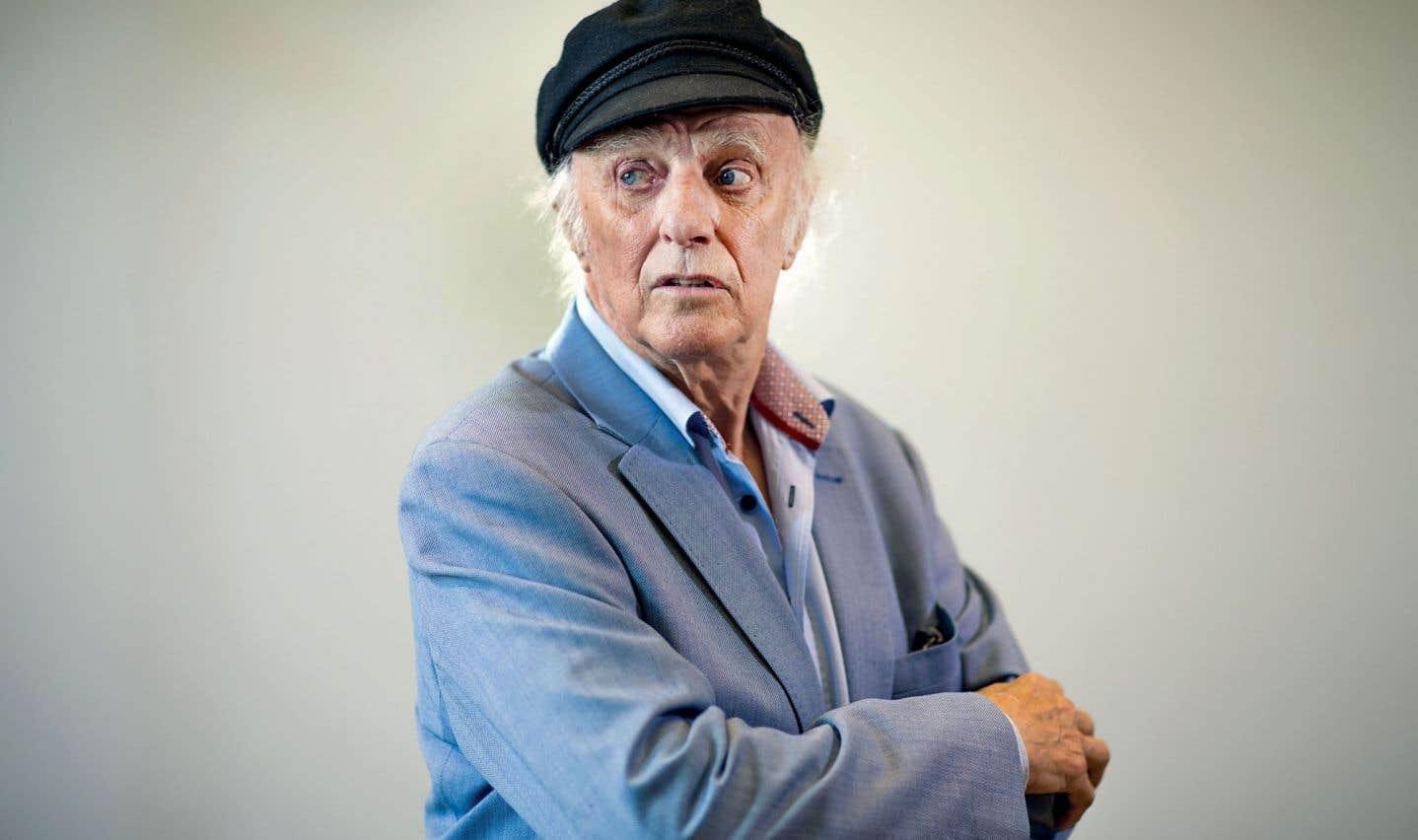 Gilles Vigneault est le fil conducteur et génial conteur au centre du documentaire en deux volets «Des gens de son pays».