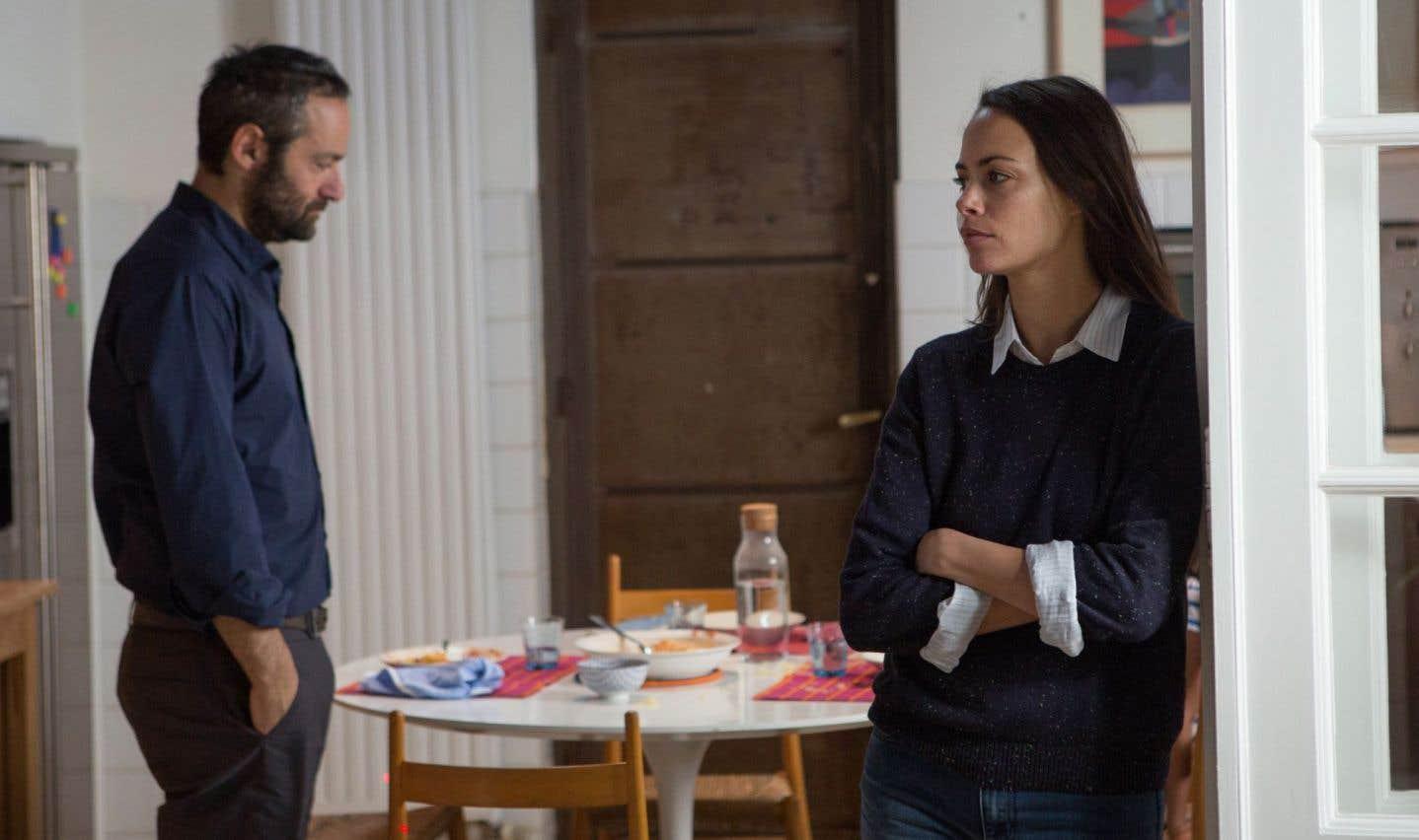Bérénice Béjo et Cédric Kahn sont en vedette dans le nouveau film du cinéaste français Joachim Lafosse.