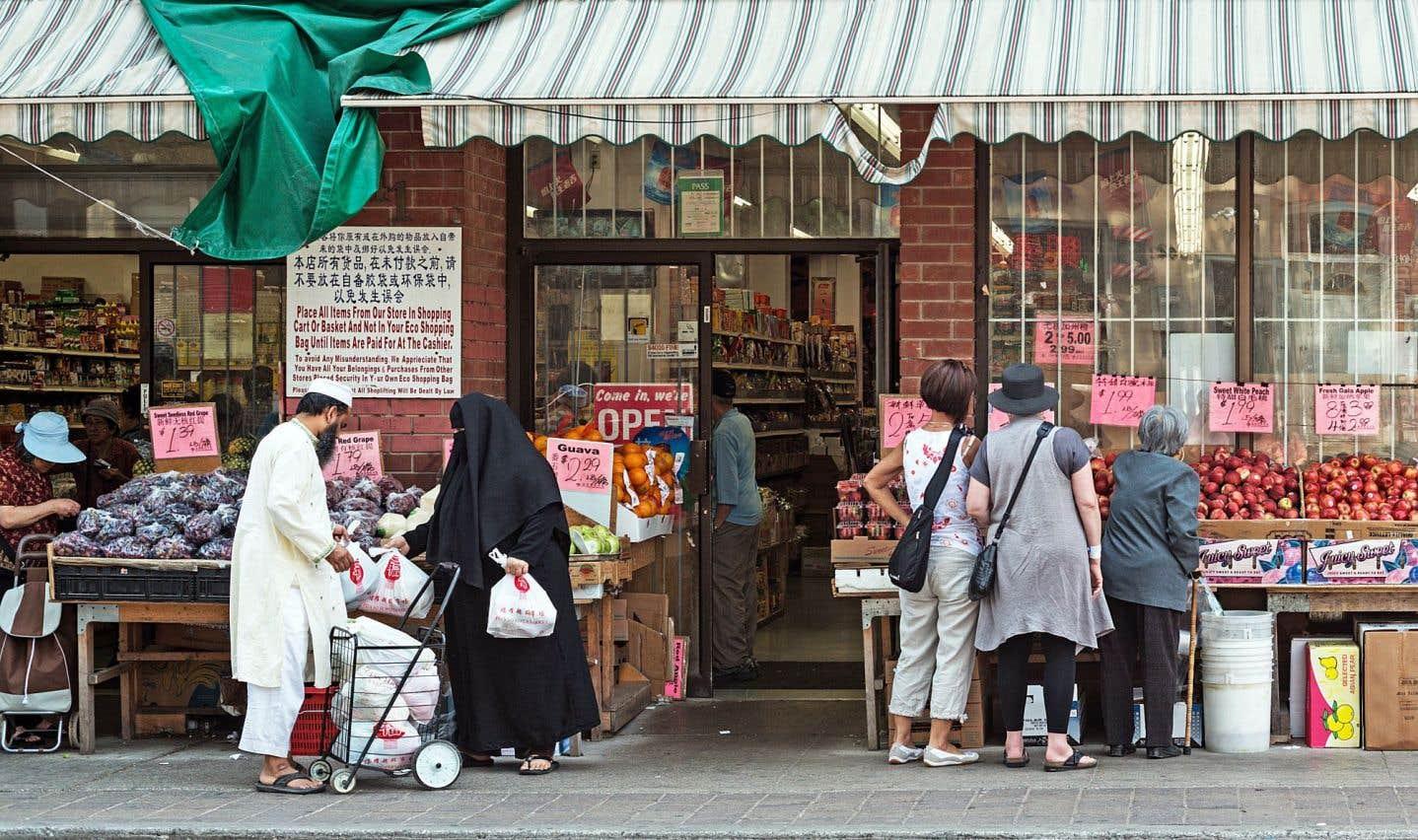 «Les cultures et les religions peuvent être différentes, les valeurs aussi, on le voit bien dans une ville pluriethnique comme l'est devenue Montréal, mais il s'agit toujours de la même humanité», souligne l'archevêque de Montréal, Mgr Christian Lépine.