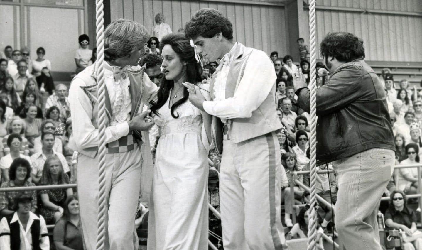 Avant même sa sortie en 1975, «Nashville» fit l'objet de critiques dithyrambiques, quelques journalistes triés sur le volet ayant pu visionner un montage préliminaire du film.