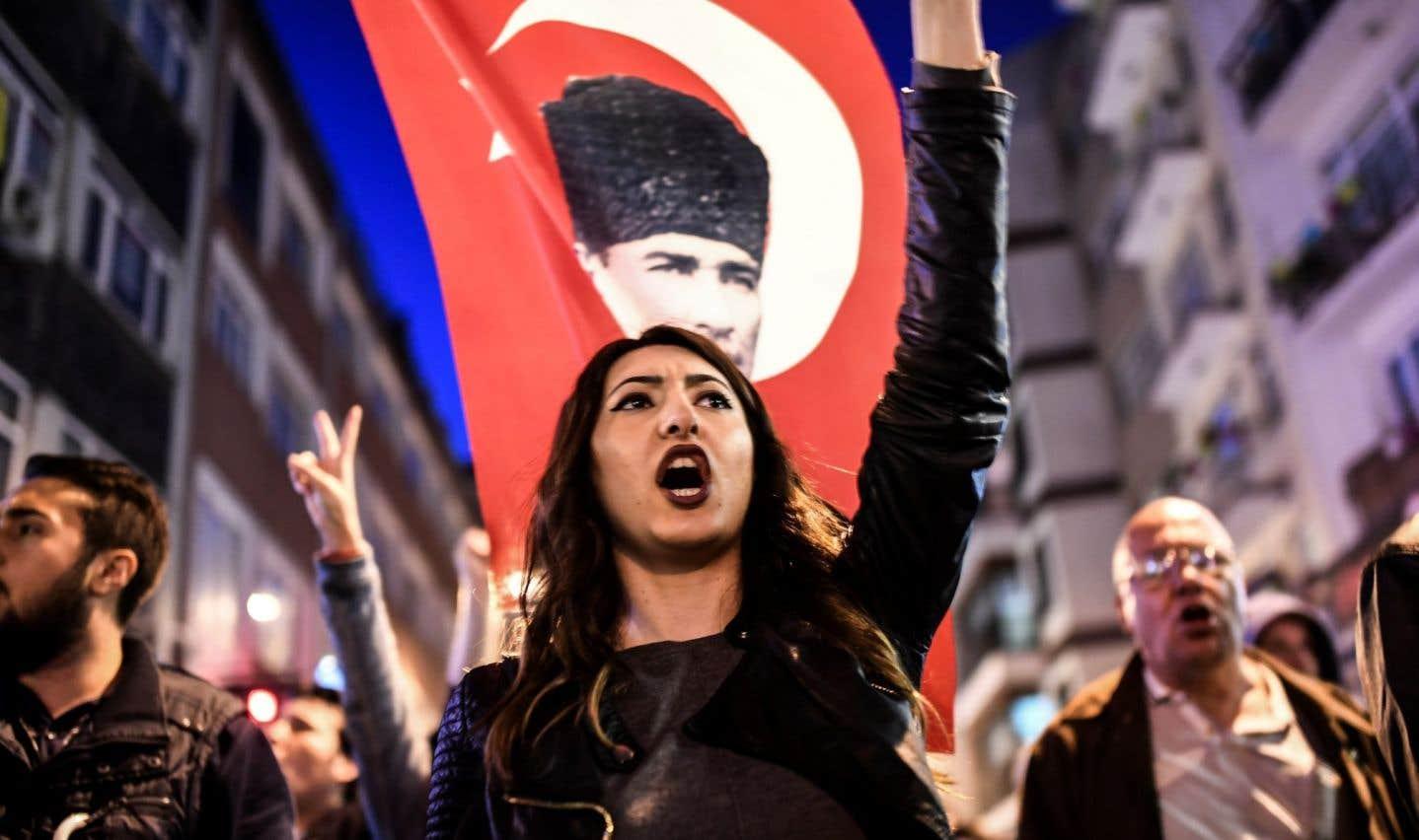 Référendum turc: l'opposition crie à la fraude, Bruxelles veut une enquête
