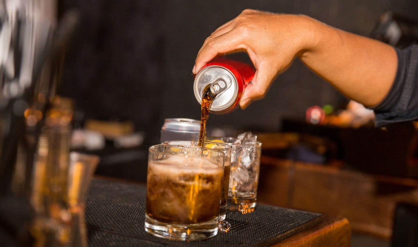 Les Québécois continuent de boire beaucoup de boissons sucrées